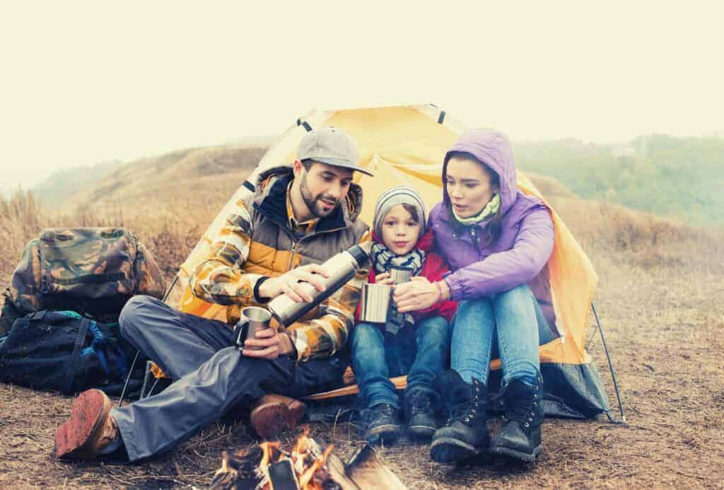 family camping with kids featimage