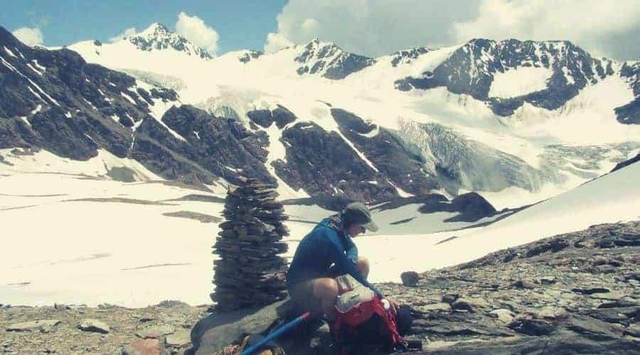 hiker cairn break stop intext (1)