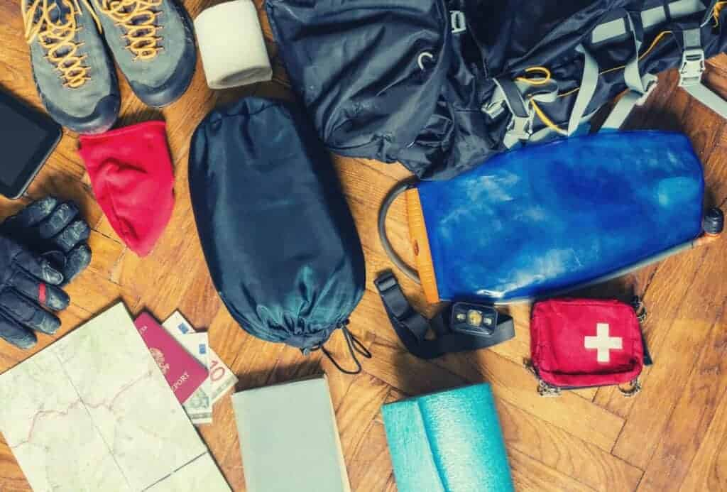 hiking backpacking 10 essentials featimage