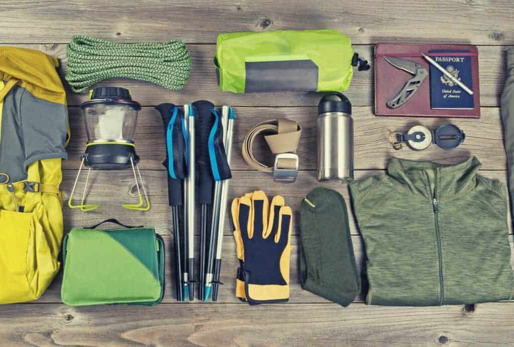 backpacking gear checklist featimg