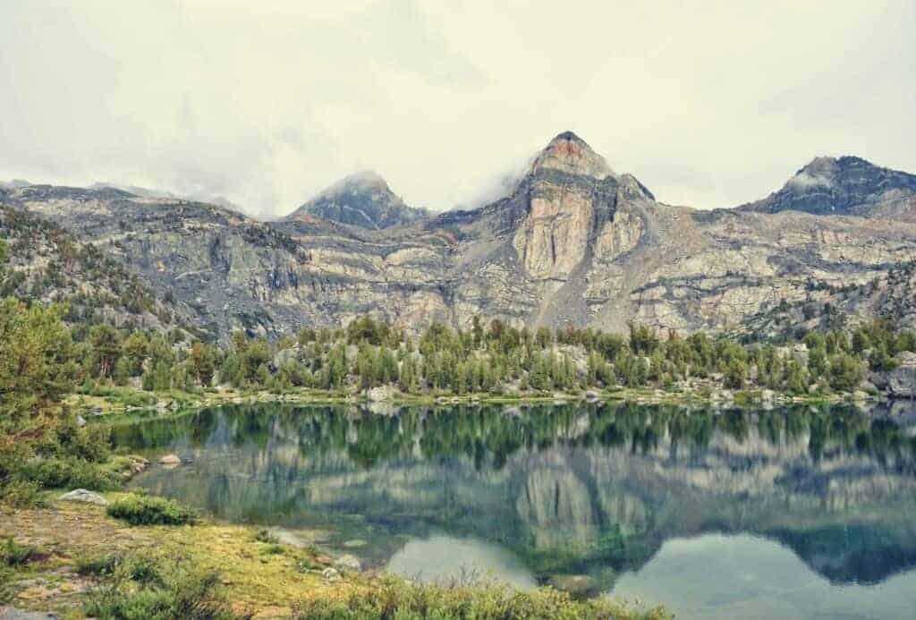 Rae Lakes Loop Backpacking Trail Guide featimage
