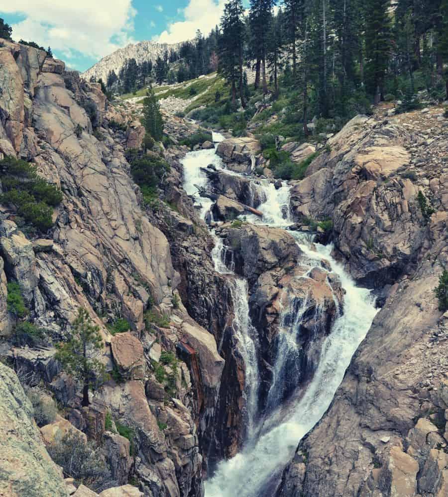 Rae Lakes Loop Mist Falls Vertintext