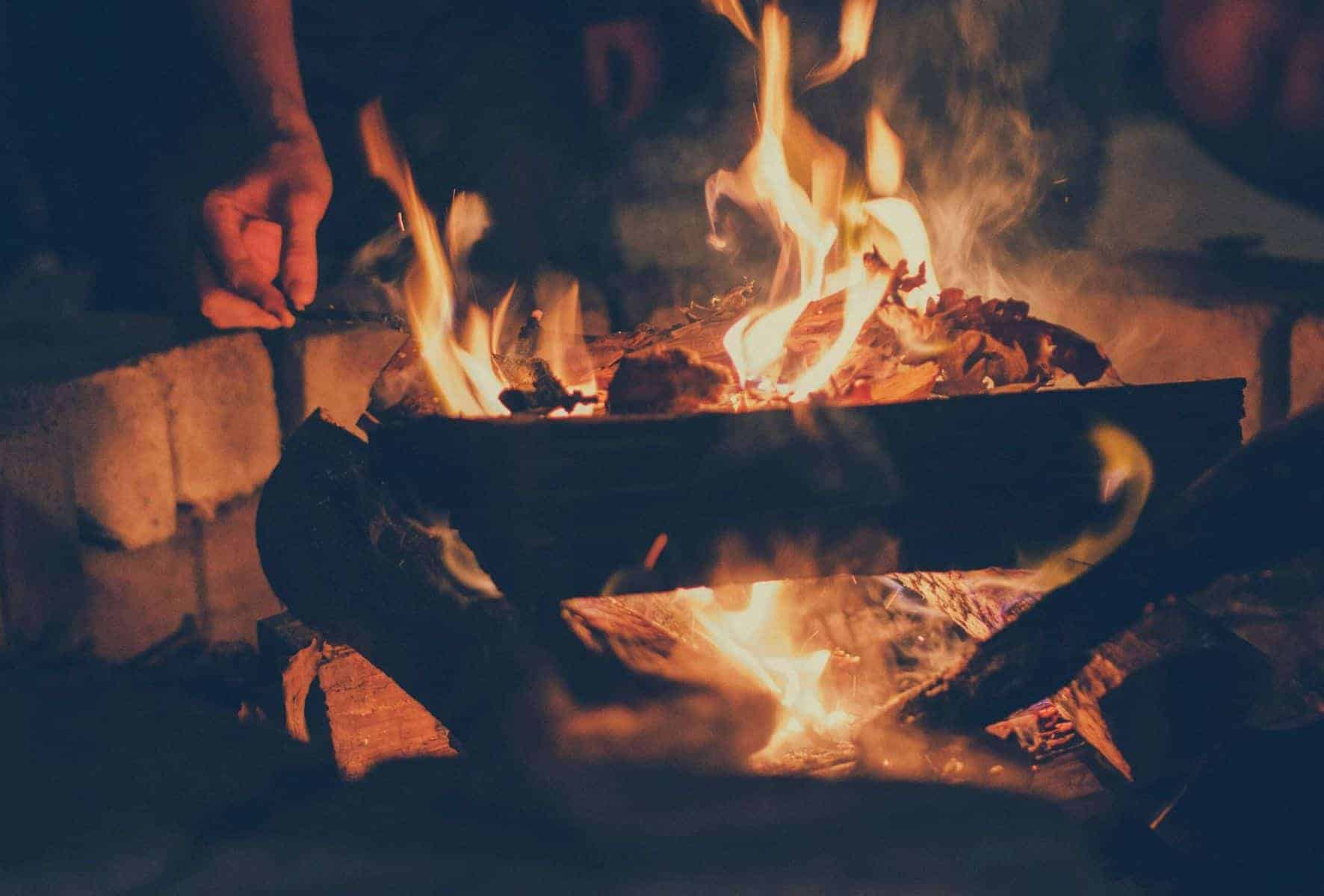 how to build a campfire featimage