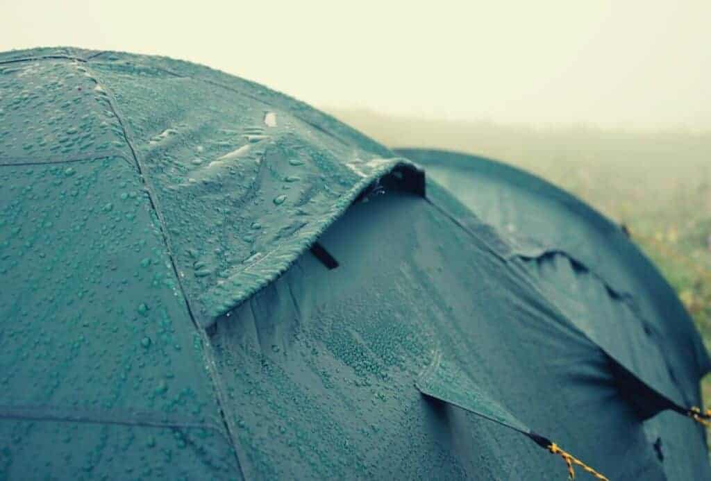 camping in the rain featimage