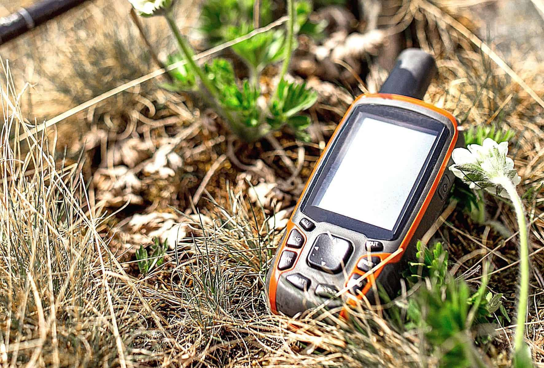 best hiking GPS featimage (2)