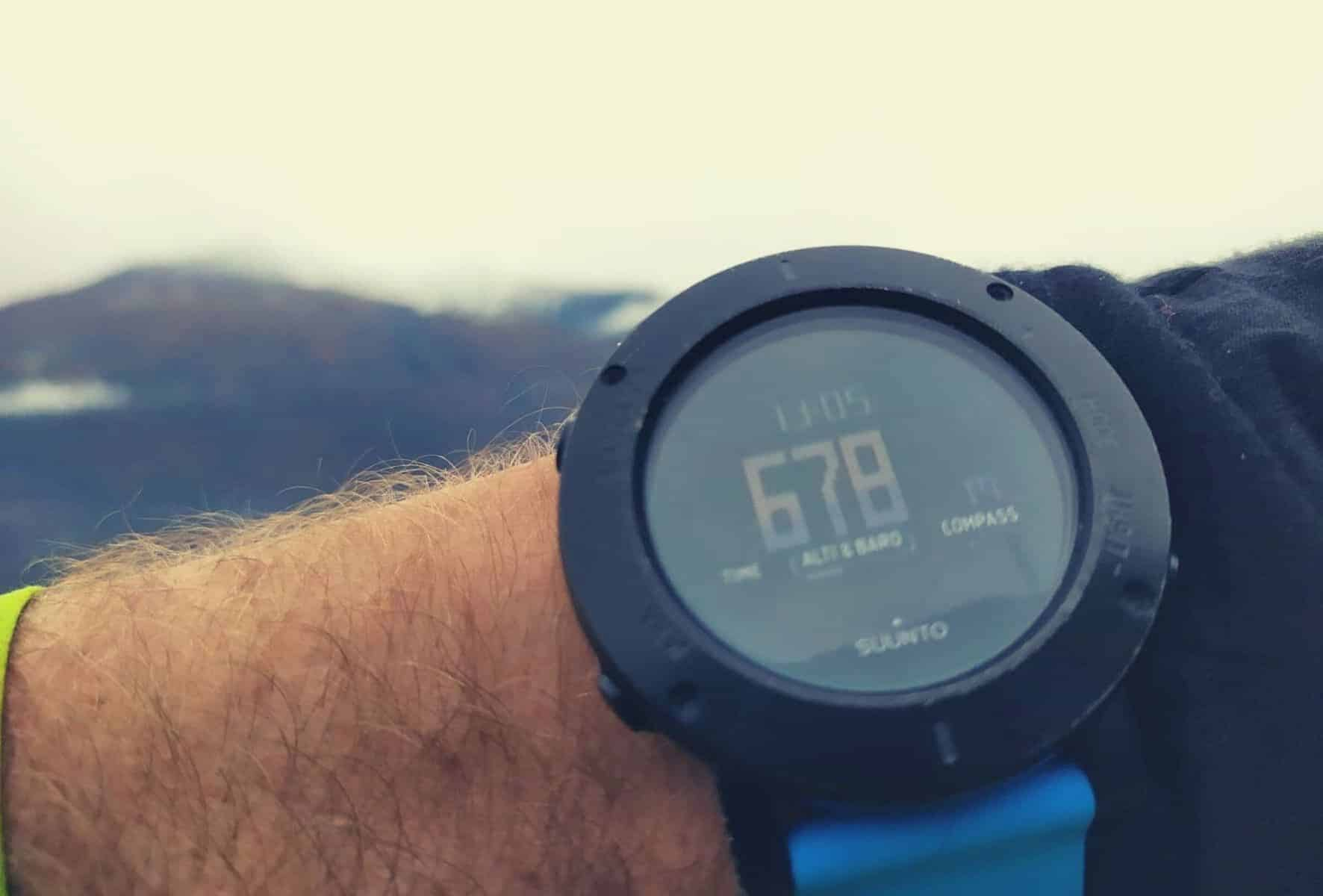 How-to-use-a-hiking-altimeter-featimage