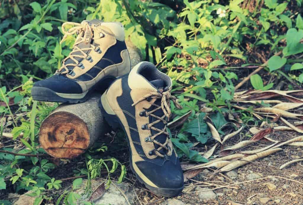 anatomy of a hiking boot featimg hero