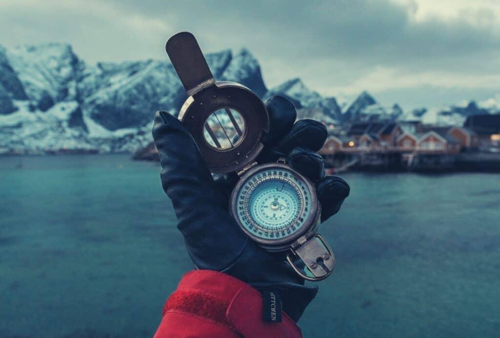 best thin winter gloves featimg hero