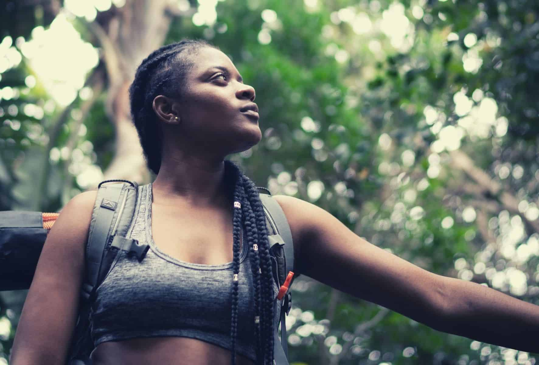 best hiking bra featimg hero