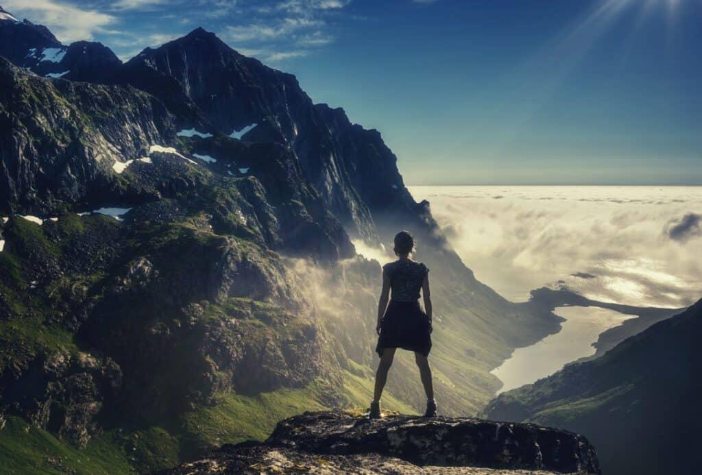 best hiking underwear for women featimg hero