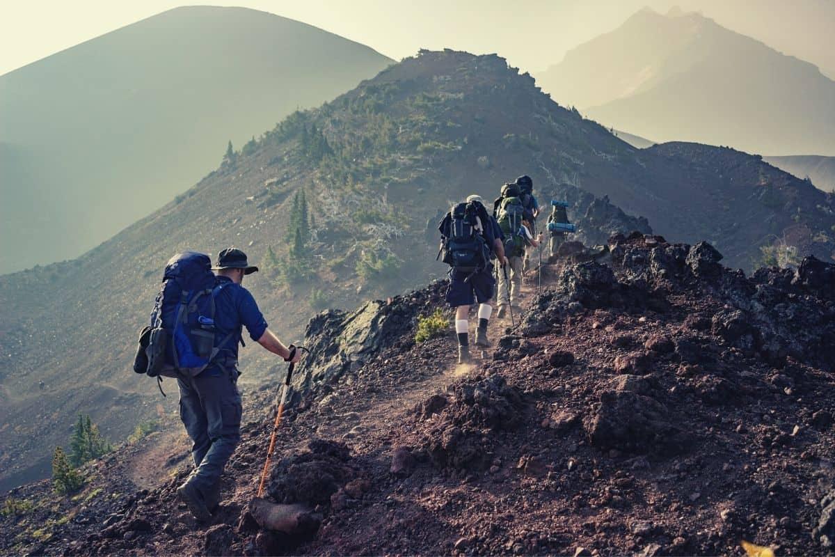 average hiking speed - feat img
