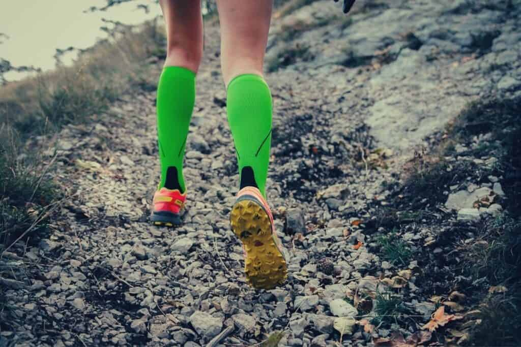 best compression socks for hiking - feat img