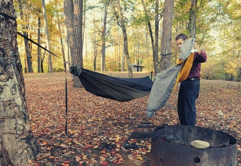 best sleeping bag for hammock camping - featimg