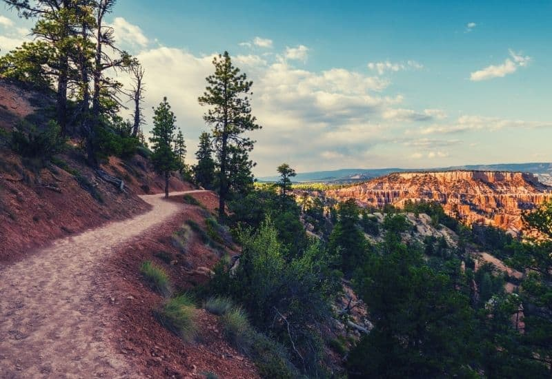 best hikes in bryce canyon national park - featimg