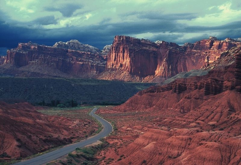 best hikes in capitol reef national park - featimg
