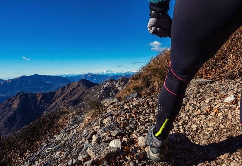 best hiking leggings - feat img
